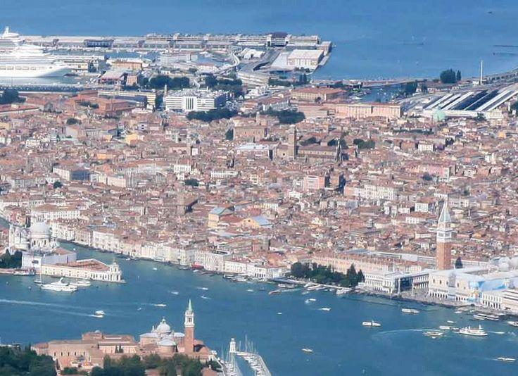 Panoramica della suggestiva Venezia