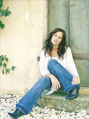 Kasey Chambers - country-folk/alternative-country singer from Australia