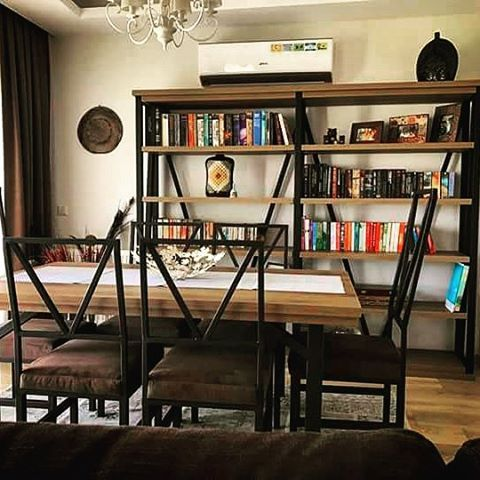 www.tasaroom.com.tr #design #livingroom #wood #black #dinner #book #bookshelf #table #chair #decoration #tasarım #kitaplık #yemekmasası #sandalye #kafkasmeşe #siyah #yemekodası http://www.butimag.com/yemekodasi/post/1482094928002897181_4107576116/?code=BSRdXwLBVUd