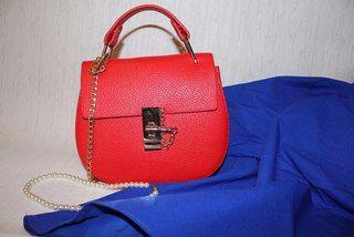 Aliexpress,  Ярко-красная сумка в стиле кого-то там - http://aliotzyvy.ru/aliexpress-yarko-krasnaya-sumka-v-stile-kogo-to-tam/