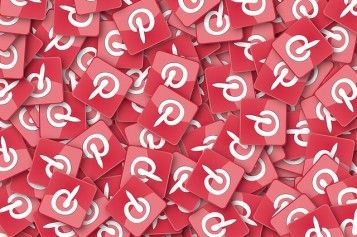 Can't tear yourself away from your carefully curated Pinterest boards? Play your cards right, and Pinterest will actually BE your job, rather than distracting you from it. Here are 10 companies with open Pinterest jobs.