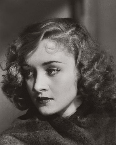 Marian Marsh - c. 1930s She looks so modern in this shot. That hair style is perfect for the 1930's as well as today.