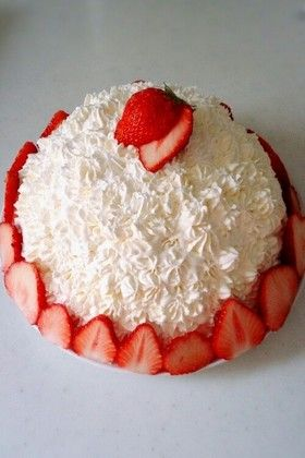 Strawberry Mousse Cake by cookpad #Cake #Strawberry_Mousse