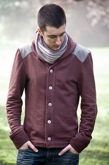 Patterns by Thread Theory // For men who would like to stay cozy but look stylish ...Newcastle cardigan.