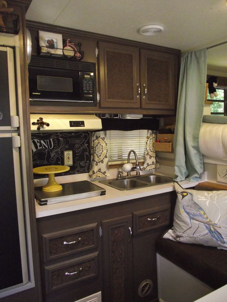 Horse trailer interior decor for Decor quarters