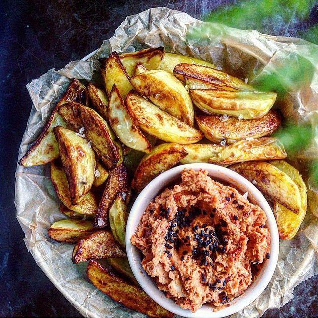 Potato wedges and a sun-dried tomato dip | rostad potatis och soltorkad tomatkräm med vita bönor tuvessonskan.se