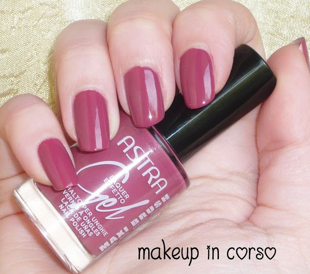 Makeup in Corso: Unghie colorate con Astra
