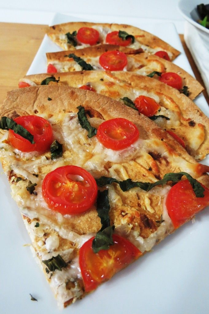 Flat Out margherita pizza - and other great Flat Out lunch ideas!