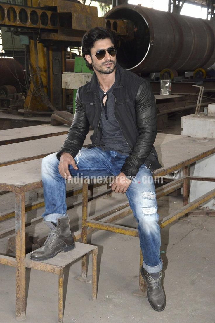 Vidyut Jamwal shooting for #Commando2. #Bollywood #Fashion #Style #Handsome