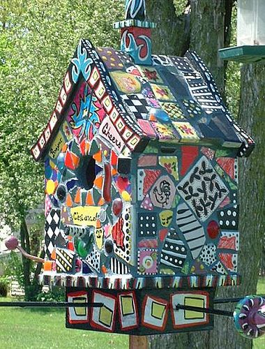 https://flic.kr/p/5ysjm | Mosaic Birdhouse Love this- combines my fondness for birdhouses w my love of mosaics!