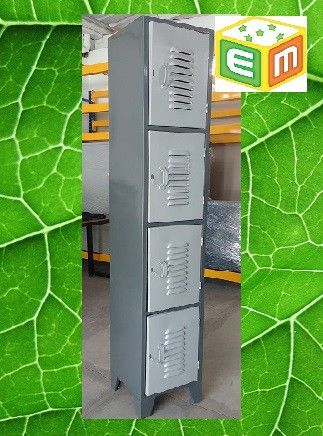 Locker metálico 4 espacios por columna femenino en Medellin