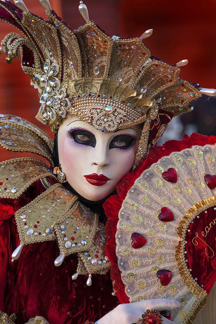 chasingrainbowsforever:  Venetian Carnivale
