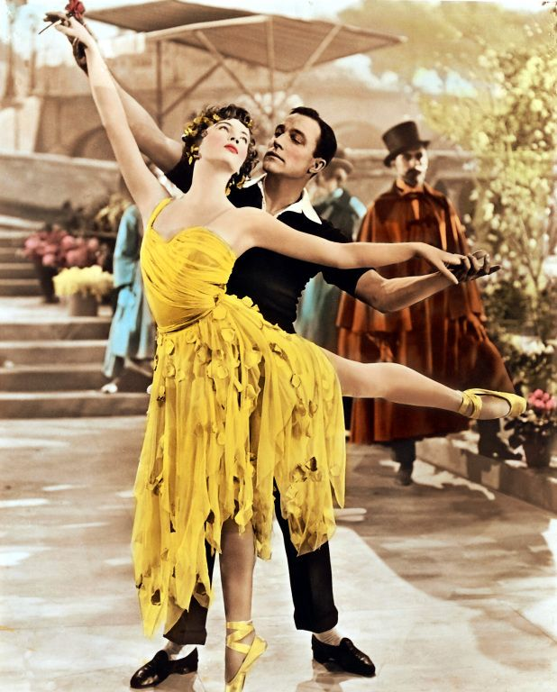 Leslie CARON & Gene KELLY - AN AMERICAN IN PARIS - Vincente Minnelli (USA, 1981) love the movie and the music!