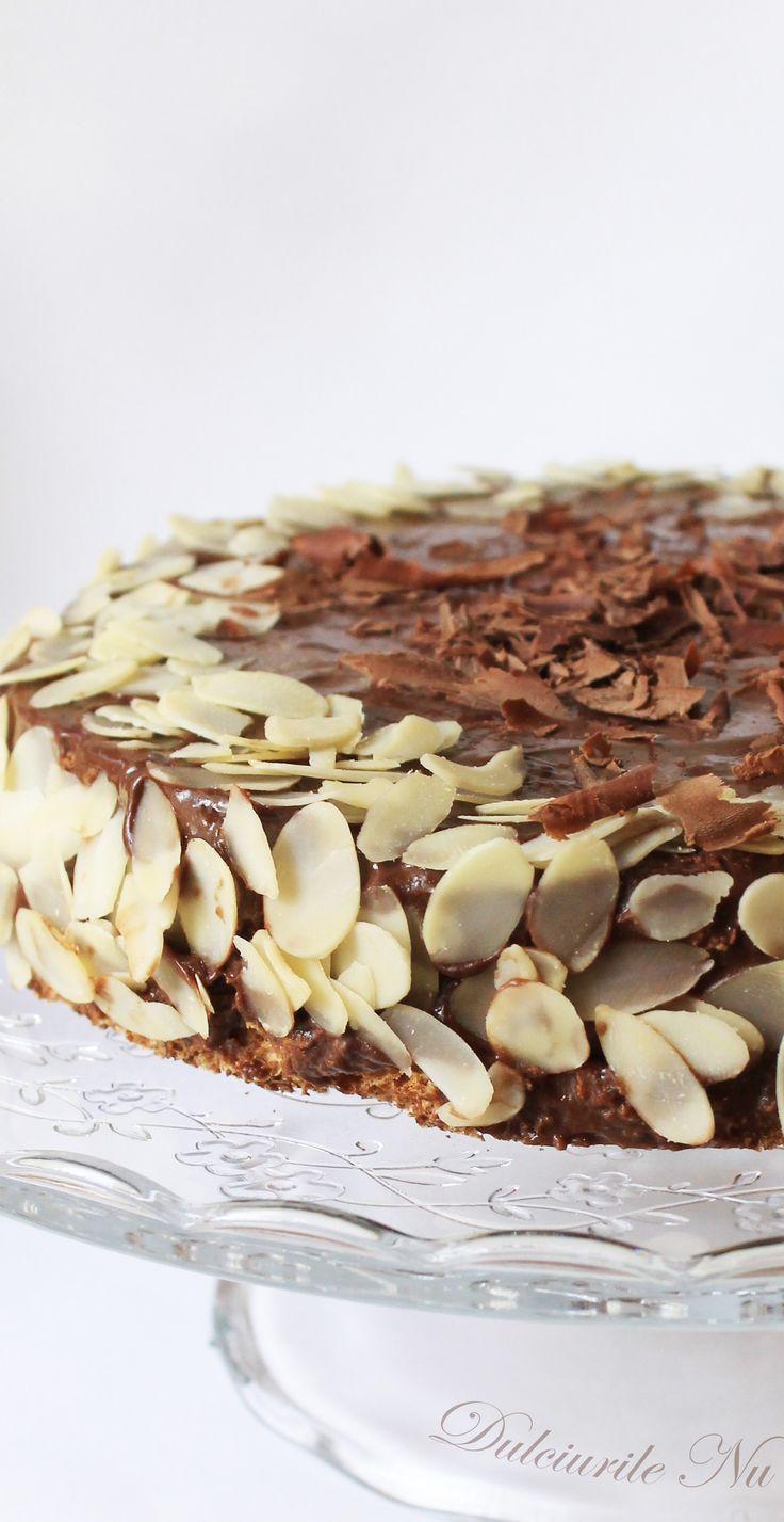 Tort Crocant cu Migdale si Crema de Ciocolata (fara zahar,continut ridicat de proteine , 100% sanatos) - Powered by @ultimaterecipe