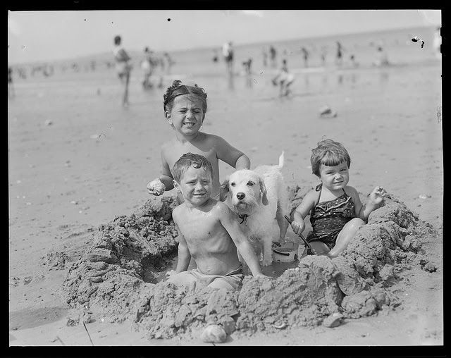 vintage everyday: Black and White Photos of Children of the 1930s