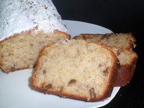 Bizcocho de plátano y nueces -  Hoy os propongo un bizcocho de plátano y nueces, una delicia de bizcocho que tiene un sabor muy bueno que le da el plátano, también nos va muy bien si nos queda algún plátano ya maduro para aprovecharlo. Estos bizcochos son muy buenos, al llevar frutas y nueces lo hacen más saludable y muy... - https://www.lasrecetascocina.com/bizcocho-platano-nueces/