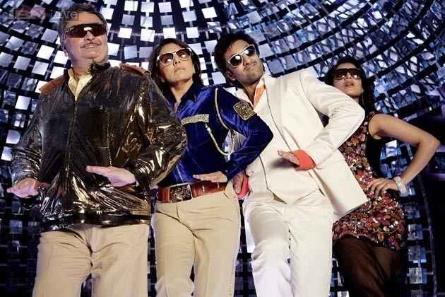 Ranbir goes 'Besharam' with parents Rishi and Neetu Kapoor