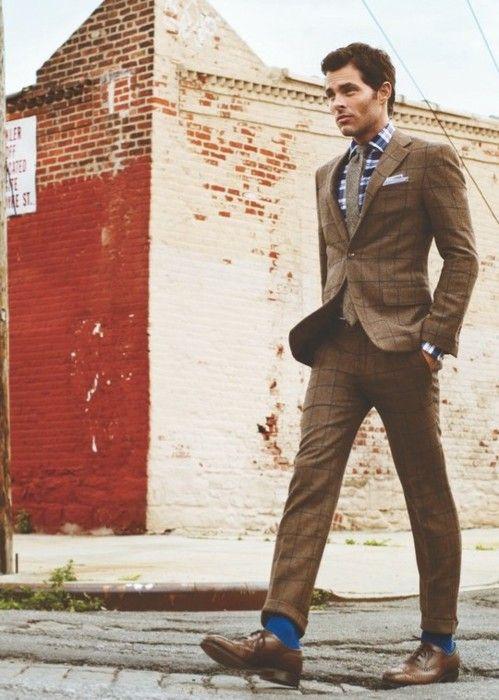 blue socks / brown suit