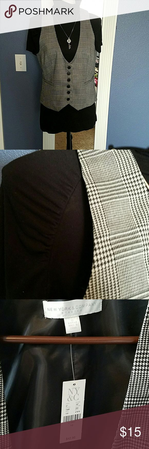Top and vest NWT black and white hounds tooth size 10 vest with black size medium short sleeve turtleneck has some ruching on the seams by the sleeves. Looks great with slacks or for a casual look you could wear with your favorite jeans. New York & Company Tops