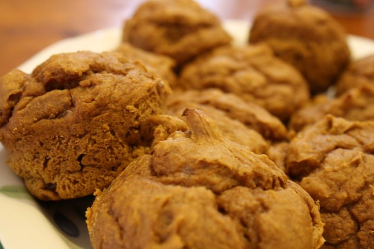 Easy Cake Mix Muffins - 2 ingredients - can of pumpkin and spice cake mix make them perfect for fall