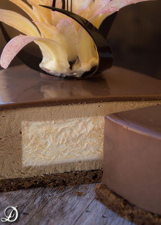 Tarta de Mousse de Café y Anís Estrellado con interior de Chocolate Blanco y Amaretto