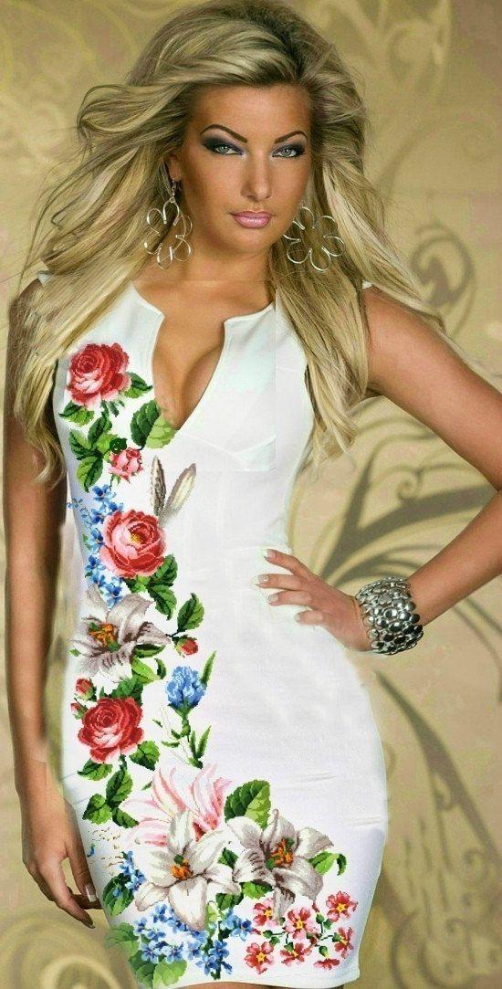 Ucraniano tradicional vestido hecho a mano con cuentas Boho