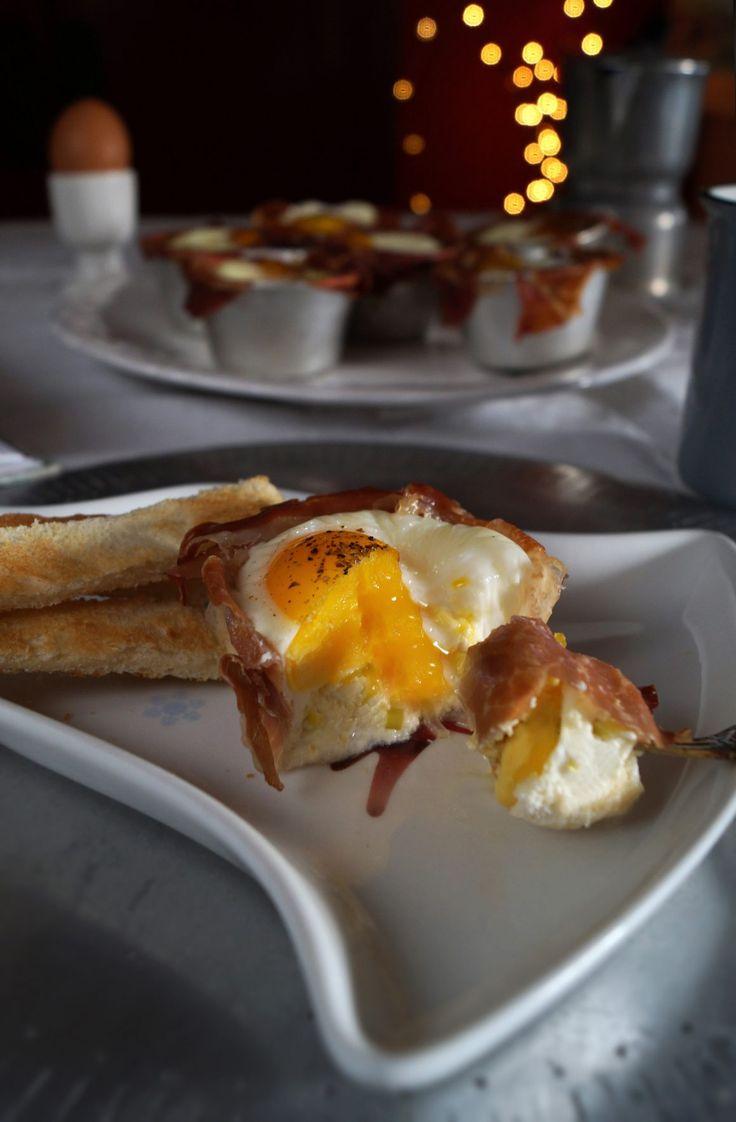 Cestini di prosciutto crudo e uova