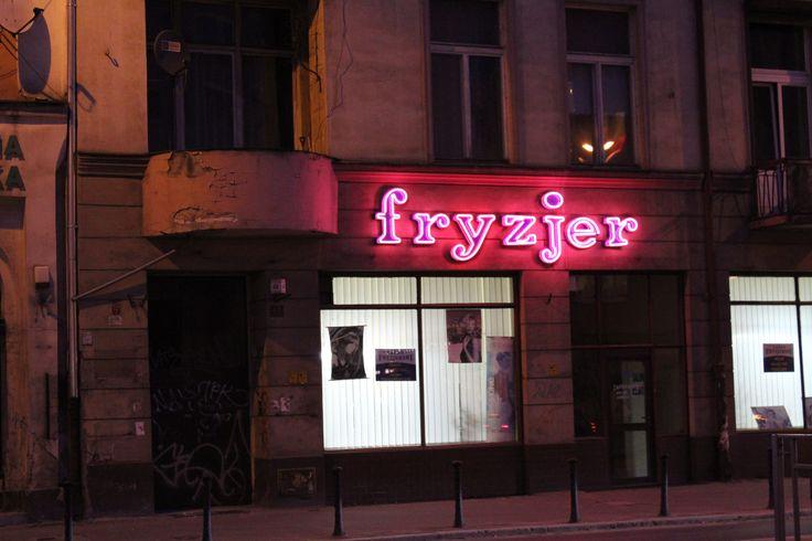 Fryzjer na ul. Piłsudskiego/Barber's shop at Piłsudskiego Street
