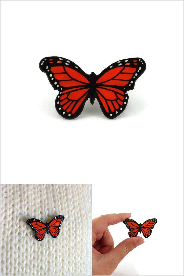 Broche papillon monarque orange et noir - Bijou fantaisie réalisé sur commande par @savousepate à partir de plastique recyclé (CD) - Idée cadeau femme