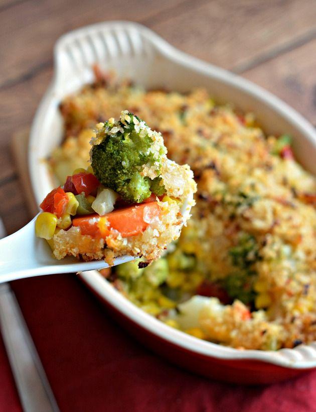 Csirkés rakott zöldségek mediterrán módra, mennyei tejszínes és fetás öntettel, ez csoda finom!