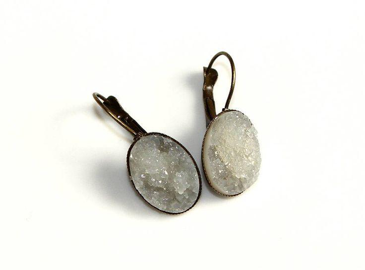 """Antik bronze Ohrhänger Brisuren Resin Harz Cabochon """"Eiskristall"""" oval weiß Ohrringe Schmuck Geschenk Weihnachten für Sie Frauen Geburtstag von CreativeWithHeart auf Etsy"""