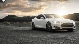 Tesla model s wat een mooie krachtige uitstraling en toch milieu bewust!