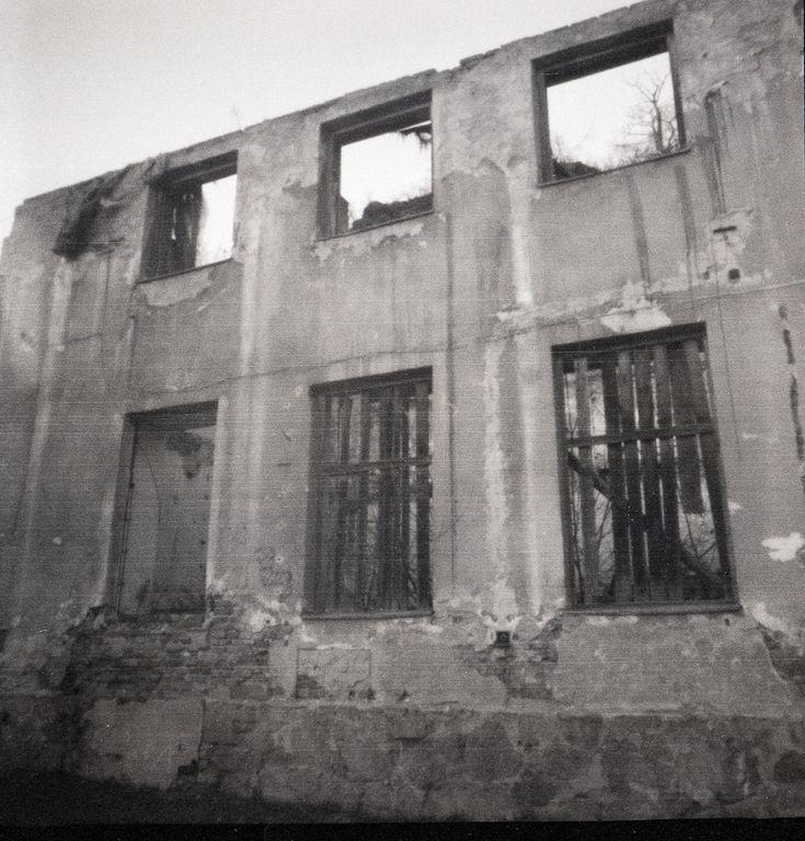 Ruined Subaks factory in Třebíč in Jewish quarter through a pinhole Zbytky Subakovy koželužny v Třebíči  foceno bez objektivu dírkovou kamerou  #pinholecamera  #dianaplus #fomapan #foma #scanned #unesco #trebic #basilica #fotoworkshop #dirkovakamera