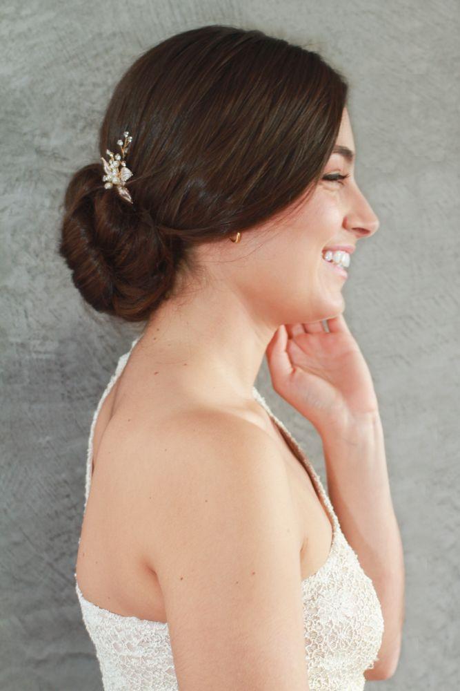 Pin para novias  Alana de hojas con ramitas de brillantes y perlas