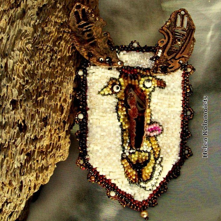 Helen Kolomoiets. Brooch ''Elk''. Beaded embroidery. Елена Коломоец. Брош ''Лось''. Вышивка бисером. #ЕленаКоломоец #вышивкабисером #брошьвышитаябисером #брошьлосьизбисера  #впродаже #handmadejewelry #beadedjewelry  #beadedembroidery #beadedpin #beadedbrooch #brooch #broochelk #embroideryart #handycraft  #youcanbuy #nowilveinsweden #shippingfromsweden #kolomoietshelen