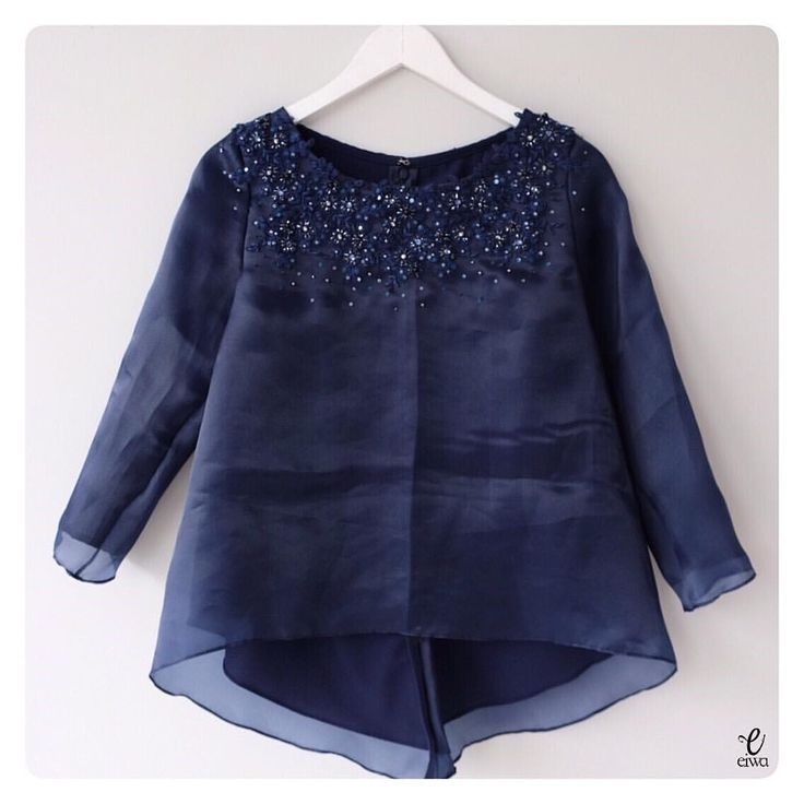 TOP0658 (navy) Bust 96cm Sleeve 50cm Length 55/65cm fully lined For more details and price please contact us :) LINE : @eiwaonline (with @) WA : +6289687171323 -- *Colors may appear slightly different due to lighting during photoshoot, pc/smartphone picture resolution, or individual monitor setting.