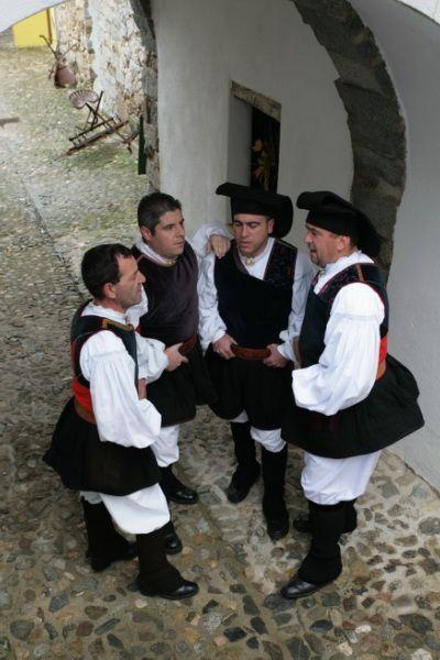 "Tenors di Bitti ""Mialinu Pira"" - Sardinia - Italy"