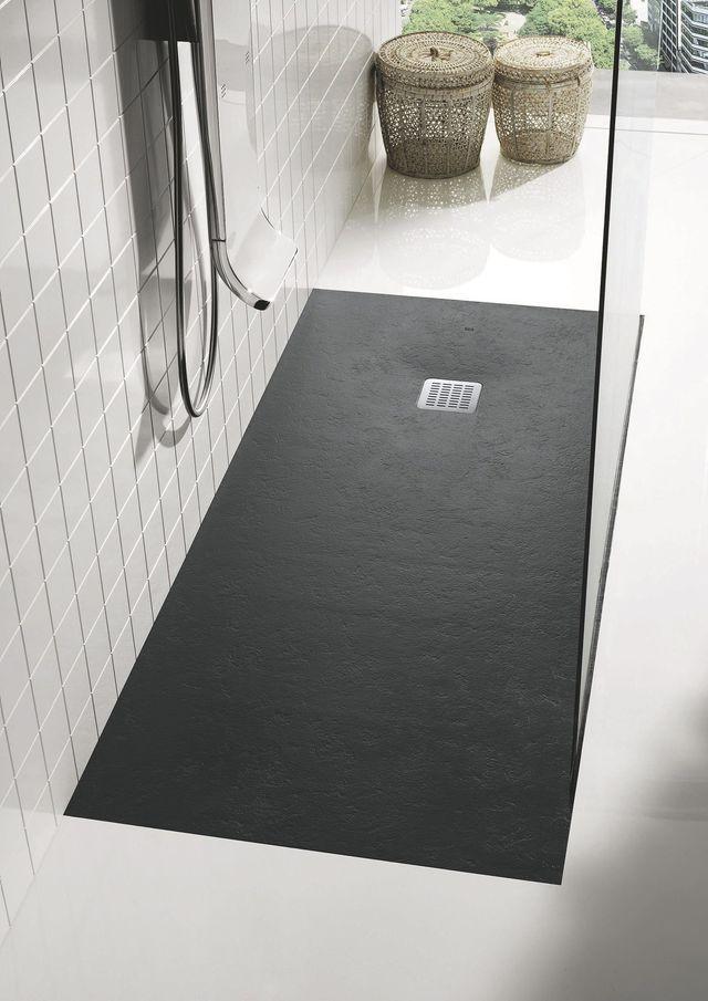 receveur de douche en c ramique en r sine en solid. Black Bedroom Furniture Sets. Home Design Ideas