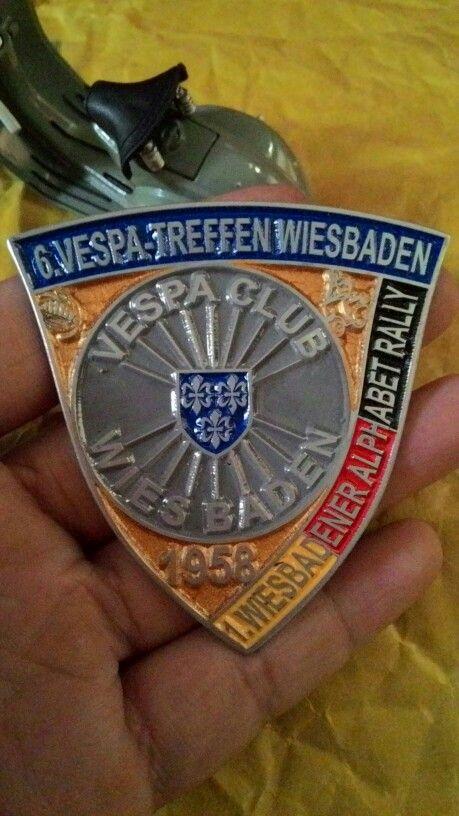 Badge vespa club wiesbaden 1958 Size. 6 to 6.5