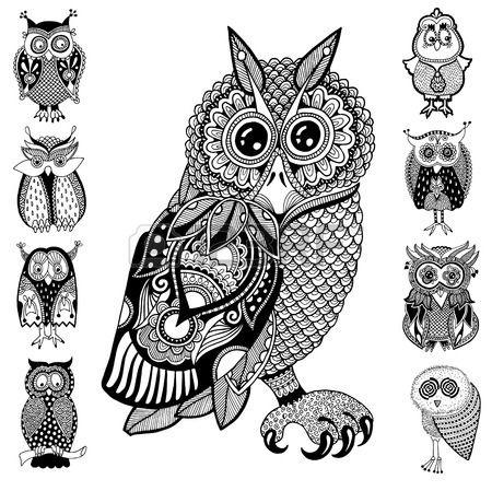 origineel kunstwerk van de uil inkt hand tekening in etnische stijl collectie vector afbeelding in z Stockfoto