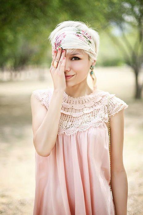 Check deze 10 gave ideetjes voor wat jij kan doen met een sjaal in jouw korte haar! - Kapsels voor haar