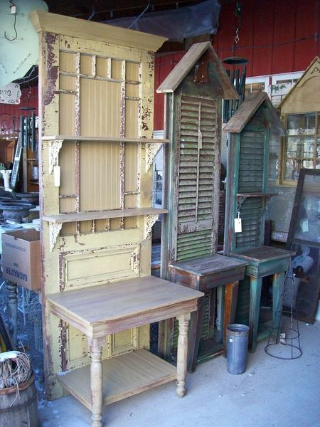 Potting benches made from old doors or shuttersOld Shutters, Ideas, Pots Tables, Potting Benches, Gardens, Hall Trees, Old Doors, Diy, Pots Benches