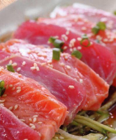 Вкуснейшие Сашими с чесночным маслом и соусом потребуют всего 30 минут на приготовление. Огурчик, тунец, лосось - ничего лишнего! Совершенствуем свою кухню вместе!