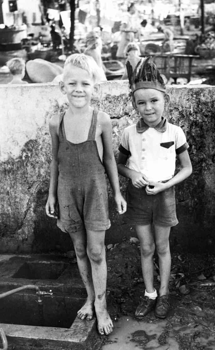 war and social upheaval: World War II Indonesia Dutch East Indies internment