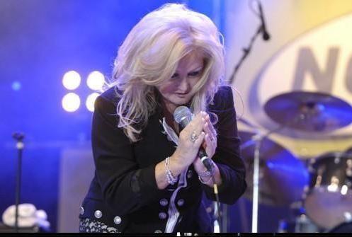 #BonnieTyler #germany #2010 #LastConcert #live #rock #music    source: www.the-queen-bonnie-tyler.com/