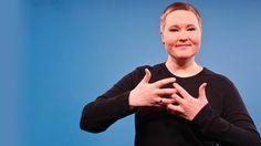 """Gebärdensprachdolmetscherin Laura Schwengber war wieder im Studio und hat eine deutsche Version von """"Last Christmas"""" übersetzt: """"Weihnachten"""" von Erdmöbel."""