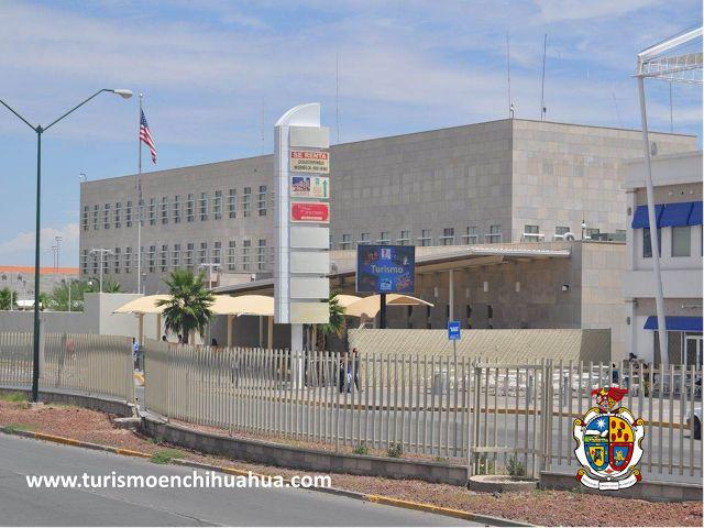 El Consulado General de Estados Unidos en Ciudad Juárez, esta ubicado en Paseo de la Victoria # 3650, Fraccionamiento Partido Senecú. Cuenta con Ventanilla de información los días Lunes de 7:30 am a 3:00 pm, de Martes a Jueves de 7:30 am a 12:00 pm; las citas para entrevista son de Lunes a Viernes de 7:30 am a 4:15 pm, a excepción de los días festivos de Estados Unidos y en México.