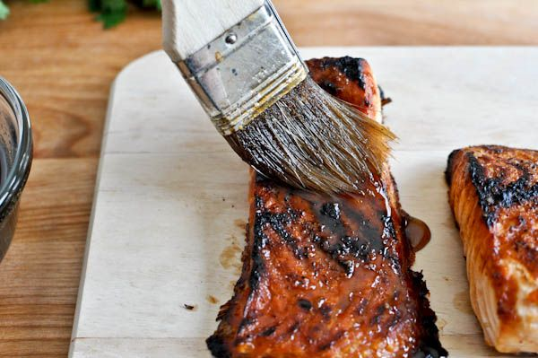 crispy bourbon glazed salmon - 1 pound fresh salmon, 1 tablespoon coarse sea salt, 1/2 tablespoon black pepper, 3/4 cup bourbon, 2/3 cup brown sugar, 1 garlic clove, minced, 1 teaspoon apple cider vinegar, 1 tablespoon worcestershire sauce, 1 tablespoon honey, 1/2 teaspoon ground mustard