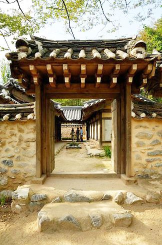 Historical Korean life and culture are brought to life in Minsok Village, a tourist attraction in Yongin, South Korea. Replicas of traditional houses of different social classes from various regions are on full display and use, but it's less so a museum and more educational tourist playground—it's part of Everland, South Korea's largest amusement park.