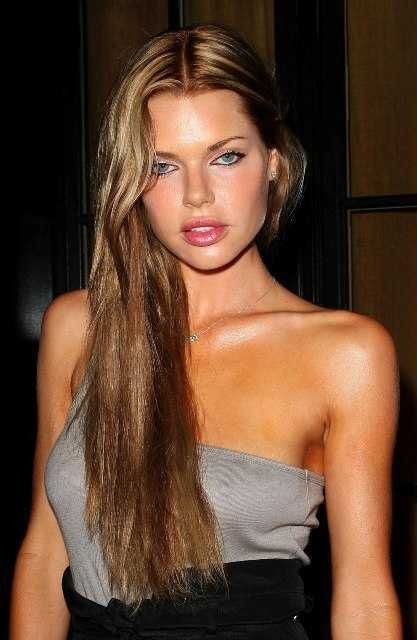 Height and Weight of 100 Female Celebrities. Can you ...